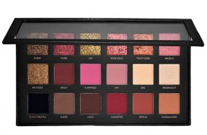 31. Huda's Rose Gold eyeshadow palette